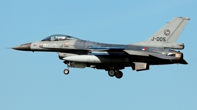 Photo ID 209927 by Carl Brent. Netherlands Air Force General Dynamics F 16AM Fighting Falcon, J 005