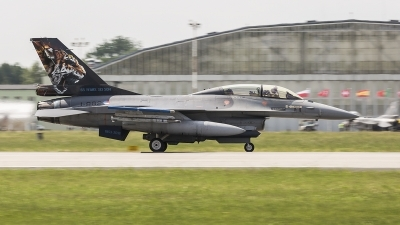 Photo ID 210440 by Jan Philipp. Netherlands Air Force General Dynamics F 16B Fighting Falcon, J 882