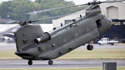 Photo ID 210441 by flyer1. UK Air Force Boeing Vertol Chinook HC2 CH 47D, ZA675