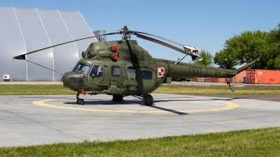 Photo ID 211225 by Alfred Koning. Poland Army Mil Mi 2URP G, 7337