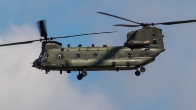 Photo ID 212201 by Adrian Stürmer. UK Air Force Boeing Vertol Chinook HC4 CH 47D, ZA670
