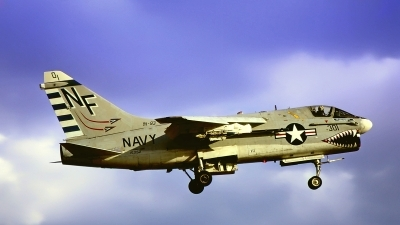 Photo ID 212209 by Gerrit Kok Collection. USA Navy LTV Aerospace A 7A Corsair II, 153152
