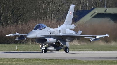 Photo ID 212491 by Peter Boschert. Poland Air Force General Dynamics F 16C Fighting Falcon, 4042