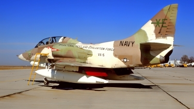 Photo ID 212547 by Gerrit Kok Collection. USA Navy McDonnell Douglas TA 4J Skyhawk, 152862