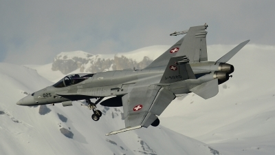 Photo ID 212624 by Sven Zimmermann. Switzerland Air Force McDonnell Douglas F A 18C Hornet, J 5025