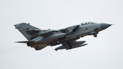 Photo ID 213262 by Doug MacDonald. UK Air Force Panavia Tornado GR4, ZA546