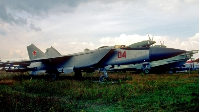 Photo ID 212970 by Sven Zimmermann. Russia Air Force Mikoyan Gurevich MiG 25PD, 04 RED