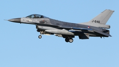 Photo ID 213343 by Mario Boeren. Netherlands Air Force General Dynamics F 16AM Fighting Falcon, J 646