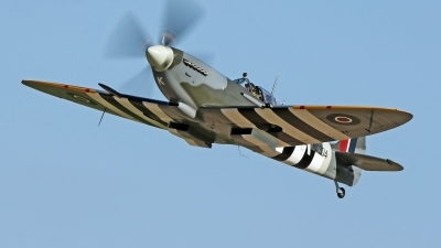 Photo ID 213398 by David F. Brown. Private Private Supermarine 361 Spitfire Mk9, C GYQQ
