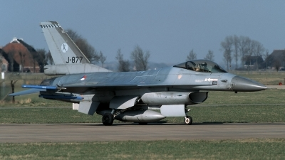 Photo ID 213417 by Henk Schuitemaker. Netherlands Air Force General Dynamics F 16A Fighting Falcon, J 877