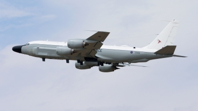 Photo ID 213975 by Mike Hopwood. UK Air Force Boeing RC 135W Rivet Joint 717 158, ZZ665
