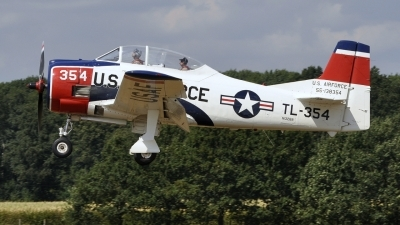 Photo ID 214063 by Bart Hoekstra. Private Trojan Horsemen T 28 Aerobatic Team North American T 28B Trojan, N1328B