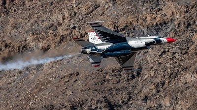 Photo ID 214384 by Rob Tabor. USA Air Force General Dynamics F 16D Fighting Falcon, 91 0479