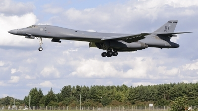 Photo ID 214710 by David Schmidt. USA Air Force Rockwell B 1B Lancer, 85 0074
