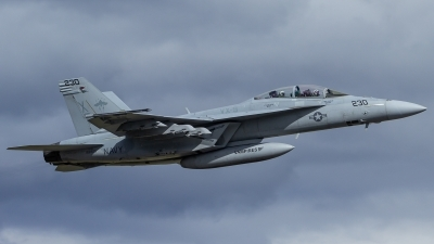Photo ID 215120 by Paul Varner. USA Navy Boeing F A 18F Super Hornet, 166925