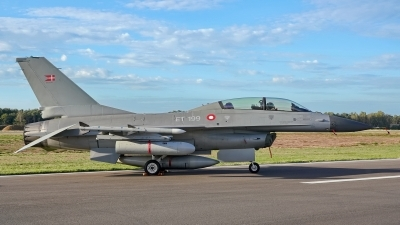 Photo ID 215772 by Dieter Linemann. Denmark Air Force General Dynamics F 16BM Fighting Falcon, ET 199