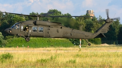 Photo ID 216915 by Stephan Franke - Fighter-Wings. USA Army Sikorsky UH 60M Black Hawk S 70A, 16 20842