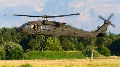 Photo ID 216918 by Stephan Franke - Fighter-Wings. USA Army Sikorsky UH 60M Black Hawk S 70A, 16 20885
