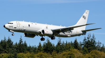 Photo ID 216907 by Mark Munzel. USA Navy Boeing P 8A Poseidon 737 800ERX, 169325