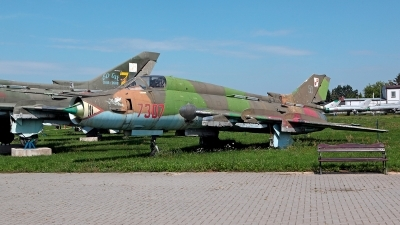 Photo ID 217001 by Carl Brent. Poland Air Force Sukhoi Su 22M4 Fitter K, 7307