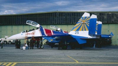 Photo ID 218200 by Chris Hauser. Russia Air Force Sukhoi Su 27UB, 25 BLUE