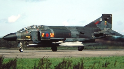 Photo ID 218809 by Arie van Groen. UK Air Force McDonnell Douglas Phantom FGR2 F 4M, XV462