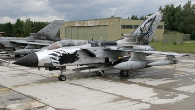 Photo ID 25348 by Lutz Lehmann. Italy Air Force Panavia Tornado IDS, MM7027