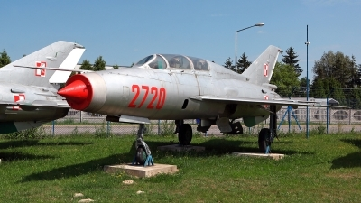 Photo ID 220237 by Carl Brent. Poland Air Force Mikoyan Gurevich MiG 21U 600, 2720