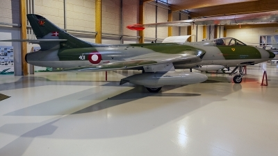 Photo ID 220300 by Jan Eenling. Denmark Air Force Hawker Hunter F51, E 401
