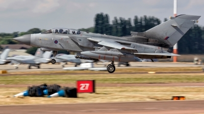 Photo ID 220827 by MANUEL ACOSTA. UK Air Force Panavia Tornado GR4, ZA453