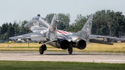 Photo ID 221107 by Robin Coenders / VORTEX-images. Poland Air Force Mikoyan Gurevich MiG 29UB 9 51, 15