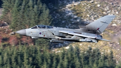 Photo ID 221108 by Robin Coenders / VORTEX-images. UK Air Force Panavia Tornado GR4A, ZA372