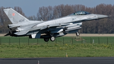 Photo ID 221268 by Rainer Mueller. Poland Air Force General Dynamics F 16C Fighting Falcon, 4041