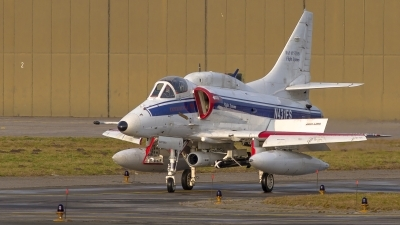 Photo ID 221331 by Sascha Gaida. Company Owned BAE Systems Douglas A 4N Skyhawk, N431FS