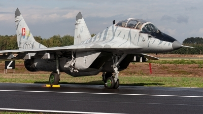 Photo ID 221372 by Jan Eenling. Slovakia Air Force Mikoyan Gurevich MiG 29UBS 9 51, 1303