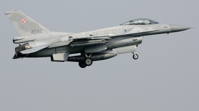 Photo ID 223001 by Arie van Groen. Poland Air Force General Dynamics F 16C Fighting Falcon, 4042