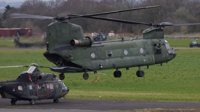 Photo ID 223138 by Mike Hopwood. Netherlands Air Force Boeing Vertol CH 47D Chinook, D 667