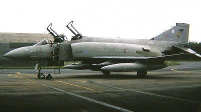 Photo ID 223508 by Arie van Groen. UK Air Force McDonnell Douglas Phantom FGR2 F 4M, XV460