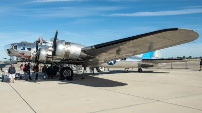 Photo ID 223707 by W.A.Kazior. Private Commemorative Air Force Boeing B 17G Flying Fortress 299P, N9323Z