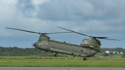 Photo ID 223780 by Sybille Petersen. UK Air Force Boeing Vertol Chinook HC4 CH 47D, ZA670