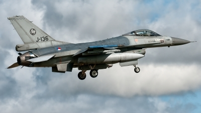 Photo ID 224974 by John. Netherlands Air Force General Dynamics F 16AM Fighting Falcon, J 136
