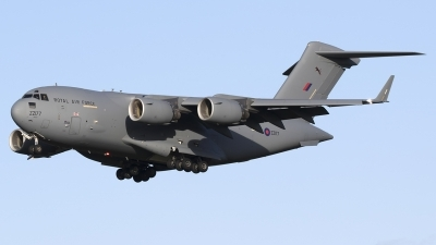 Photo ID 224908 by Chris Lofting. UK Air Force Boeing C 17A Globemaster III, ZZ177