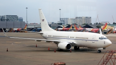 Photo ID 225218 by Thanh Ho. USA Air Force Boeing C 40C 737 7CP BBJ, 02 0201