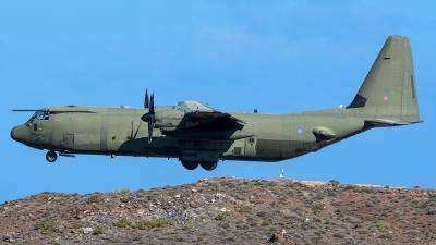 Photo ID 225254 by Adolfo Bento de Urquia. UK Air Force Lockheed Martin Hercules C4 C 130J 30 L 382, ZH869