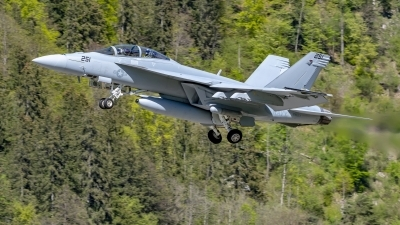 Photo ID 225895 by Martin Thoeni - Powerplanes. USA Navy Boeing F A 18F Super Hornet, 169653