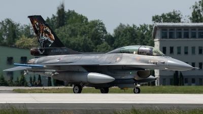 Photo ID 226027 by Thomas Ziegler - Aviation-Media. Netherlands Air Force General Dynamics F 16B Fighting Falcon, J 882