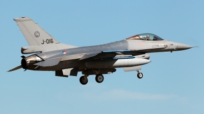 Photo ID 226145 by Carl Brent. Netherlands Air Force General Dynamics F 16AM Fighting Falcon, J 016