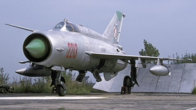 Photo ID 227638 by Chris Lofting. Poland Air Force Mikoyan Gurevich MiG 21R, 2213
