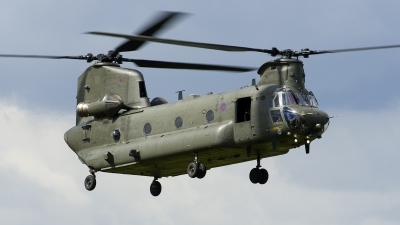 Photo ID 227805 by Joop de Groot. UK Air Force Boeing Vertol Chinook HC4 CH 47D, ZA714