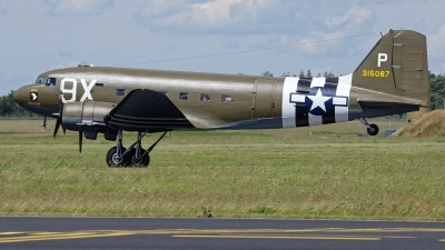Photo ID 228109 by Rainer Mueller. Private Private Douglas DC 3C, N150D